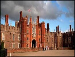 Henry VIIIs Palace3.www.download.ir
