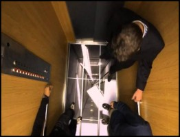 scary elevator prank 3D Television in Elevator! .www.download.ir
