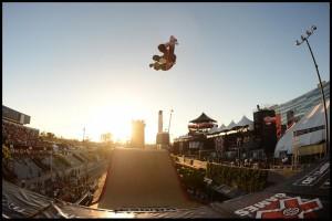 Americans Navy SkateBoard Big Air