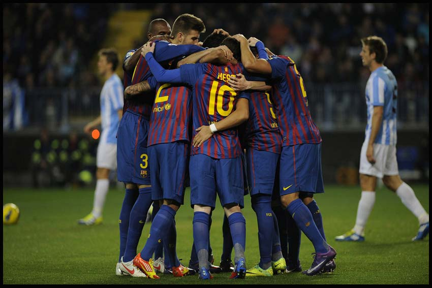 Football-Wallpaper-5.www.download.ir
