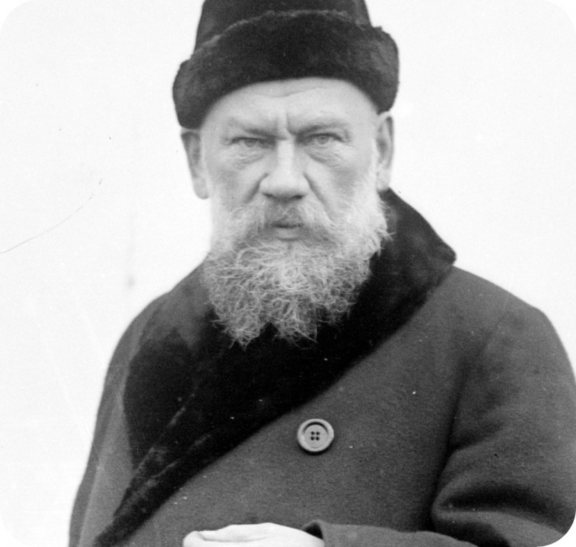 Tolstoy-with-Hat